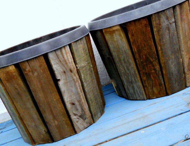 تزيين أواني الزرع بألواح الخشب