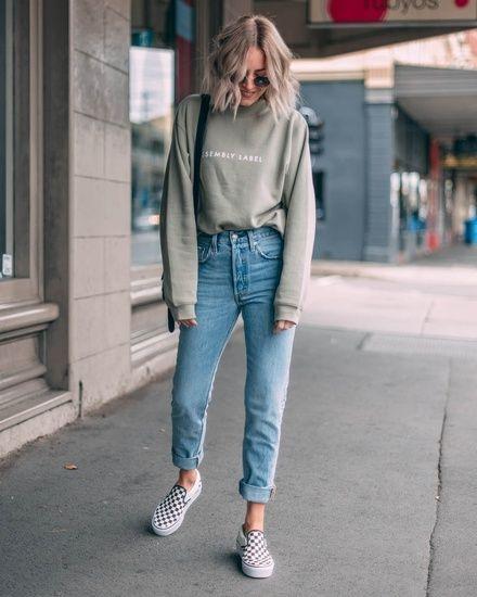 ملابس بأكمام طويلة