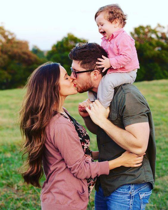 أفكار للصور العائلية - صورة رومانسية مع الطفل