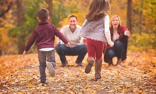أفكار للصور العائلية - صورة مأخوذة من الخلف