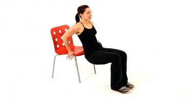 آلام الرقبة والظهر - تمرين الكرسي