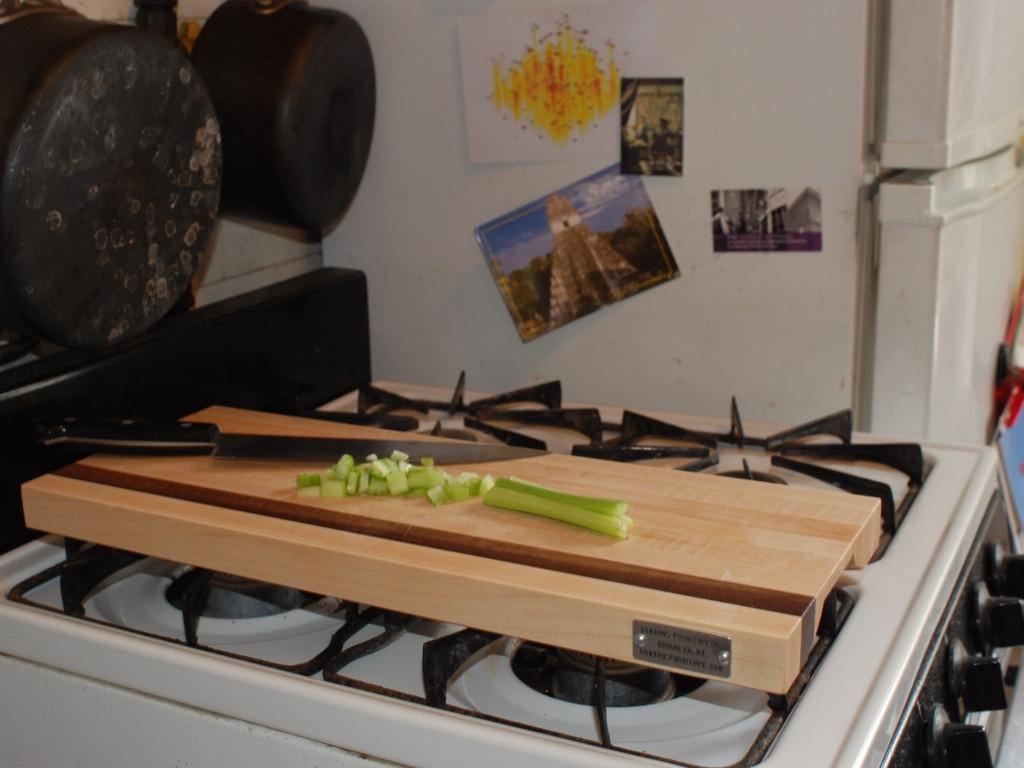 أفكار مطابخ صغيرة - لوح فوق الموقد