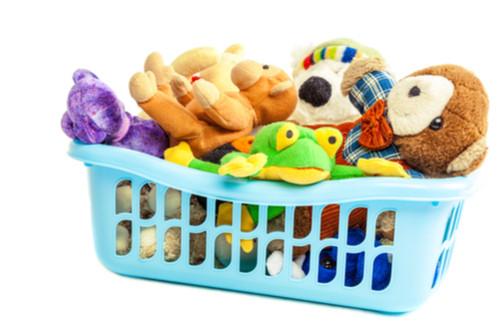 ترتيب ألعاب الأطفال - سلال ملونة أو خشبية