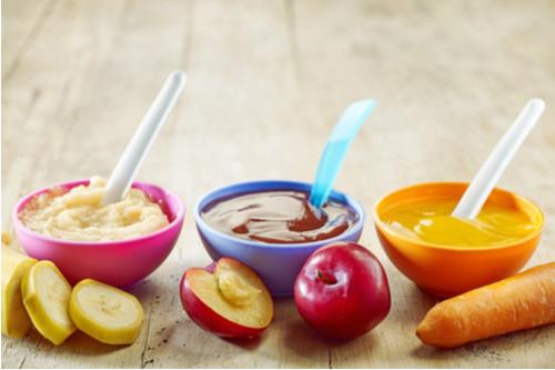 منتجات يحتاجها طفلك خلال وقت الفطام - طبق الطعام