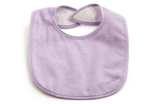 منتجات يحتاجها طفلك خلال وقت الفطام - صدرية (بافتة)