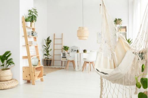 تجديد المنزل - السلم الخشبي