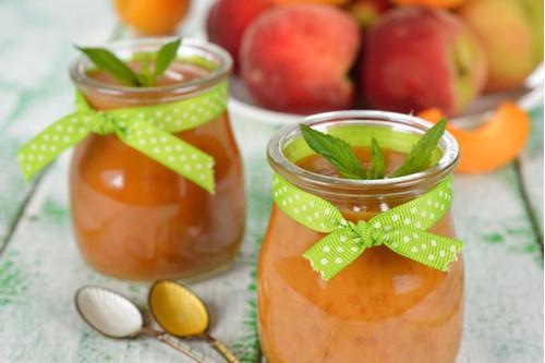 وصفات التفاح للرضع - طريقة عمل مهروس التفاح والفراولة والخوخ للرضع