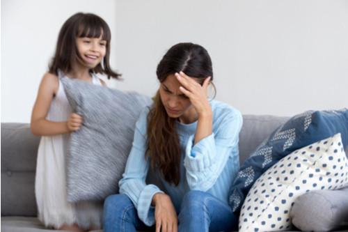 عبارات سلبية للأطفال - غضب الأم من الطفل
