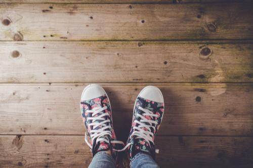 الأحذية المنقوشة - حذاء رياضي