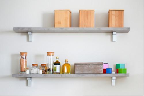ترتيب المطبخ الصغير - الأرفف المعلقة