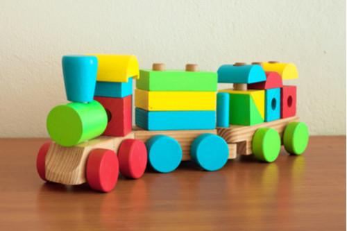 ألعاب أطفال عمر سنتين - قطار الأشكال الهندسية