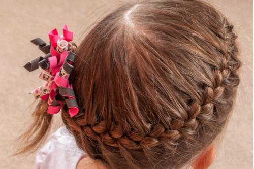 تسريحات شعر مرفوعة - تسريحة تشبه التاج