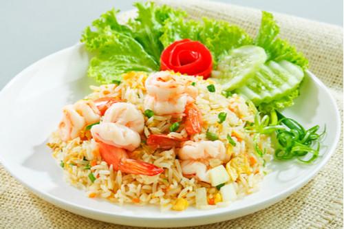 وصفات أرز الياسمين - طريقة عمل الأرز التايلاندي بالجمبري والبازلاء