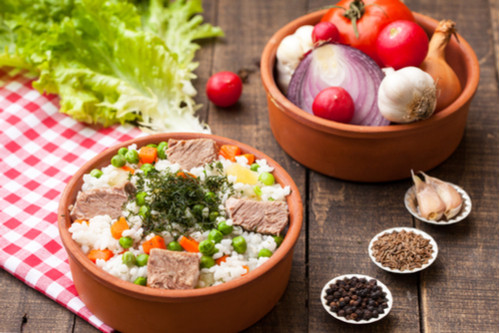 وصفات أرز الياسمين - طريقة عمل أرز الياسمين بالخضروات والزبيب
