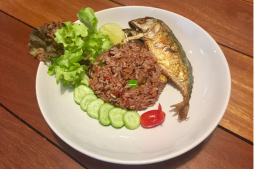 وصفات أرز الياسمين - طريقة عمل أرز الياسمين بصلصة السمك