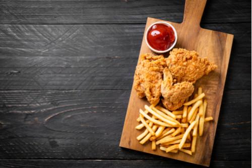 أكلات سعودية شهيرة - طريقة عمل دجاج البيك المقرمش (بروستد)