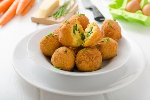 أكلات يحبها الأطفال بعمر سنتين - طرقة عمل كرات البطاطس بالدجاج
