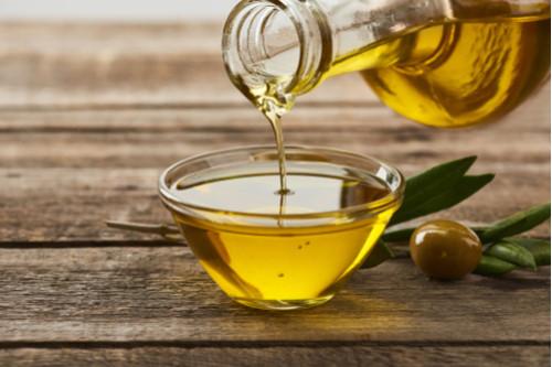 وصفات لعلاج الإمساك - علاج الإمساك بزيت الزيتون
