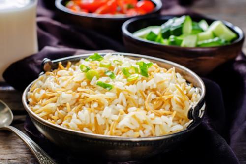 وصفات شعرية - طريقة عمل الأرز الأبيض بالشعرية
