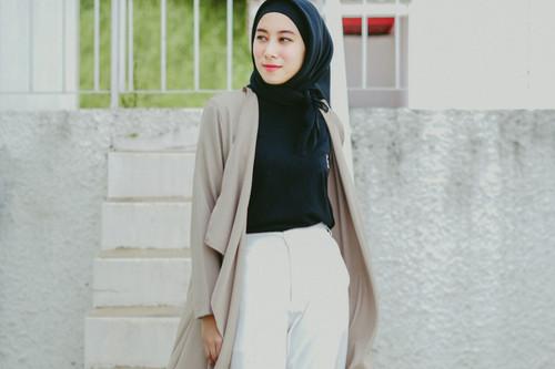 تقليل الشعور بالحرارة في رمضان - القميص الطويل مع الكارديجان