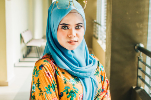 ملابس العيد للنساء - بلوزة منقوشة