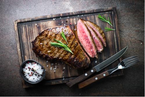جعل اللحوم المشوية طرية - تتبيل اللحم قبل الشي بفترة