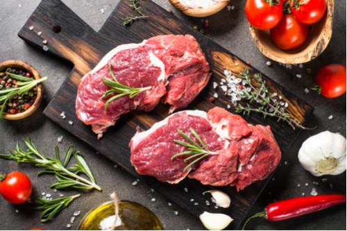 جعل اللحوم المشوية طرية - تخلص اللحم من درجة حرارة الثلاجة