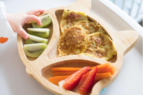 الفطام التلقائي للطفل - بيض وخضروات وفاكهة