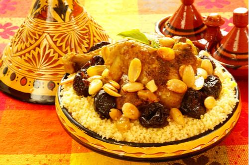وصفات المشمش والبرقوق - طريقة عمل طاجن اللحم الضأن بالبرقوق على الطريقة المغربية