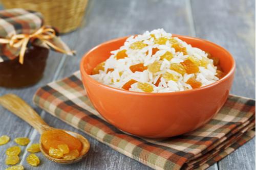 وصفات المشمش والبرقوق - طريقة عمل أرز بالمشمش المجفف