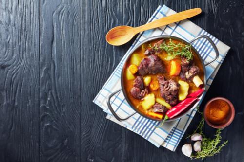 لحم النيفا - لحم الماعز بالبطاطس