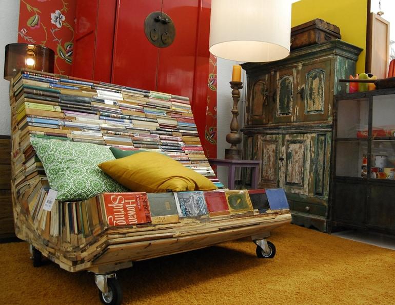 أفكار ديكور منزلية - كرسي من الكتب