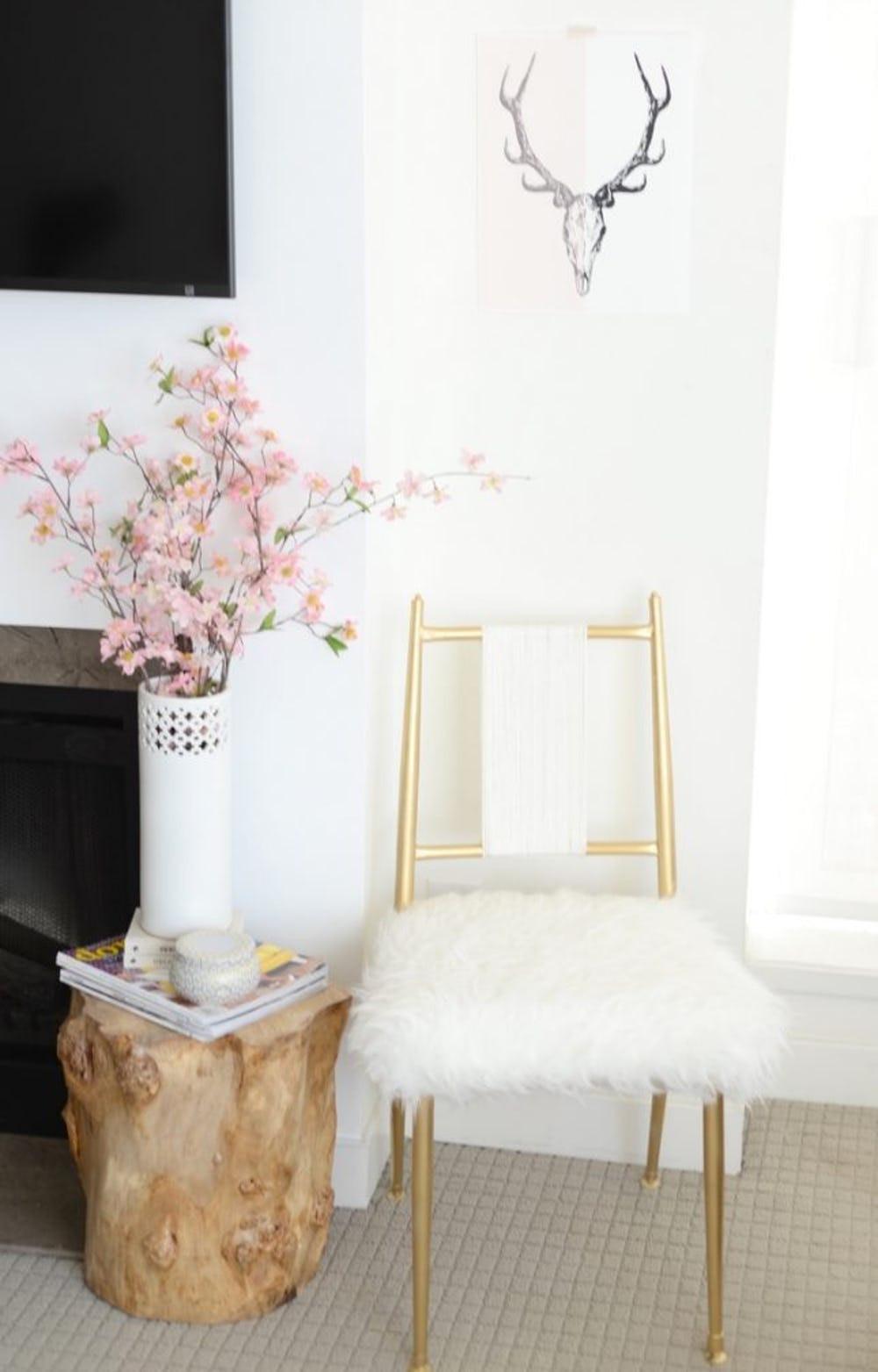 استخدام الفرو في الديكور - كرسي من الفرو