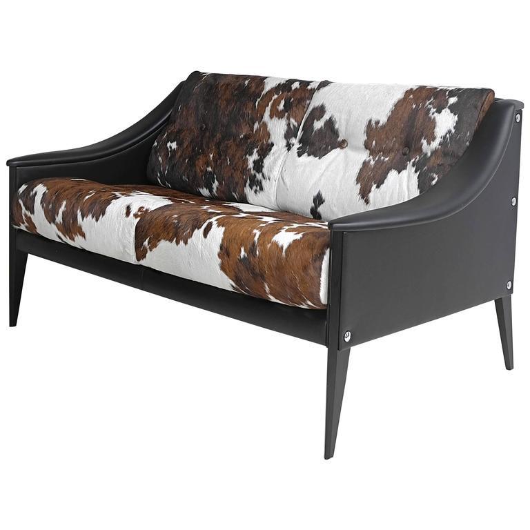 استخدام الفرو في الديكور - أريكة جلد