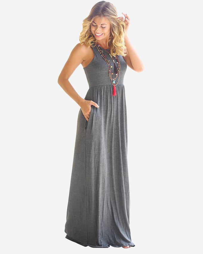 43988f2f71c1b فستان كاجوال رائع مناسب للحوامل بفصل الصيف، فهو فستان دون أكمام مصنوع من  القماش الليكرا طويل ليناسب الأم المحجبة أيضًا، فيمكنك ارتداء جاكيت قطني  فوقه، وهو ...