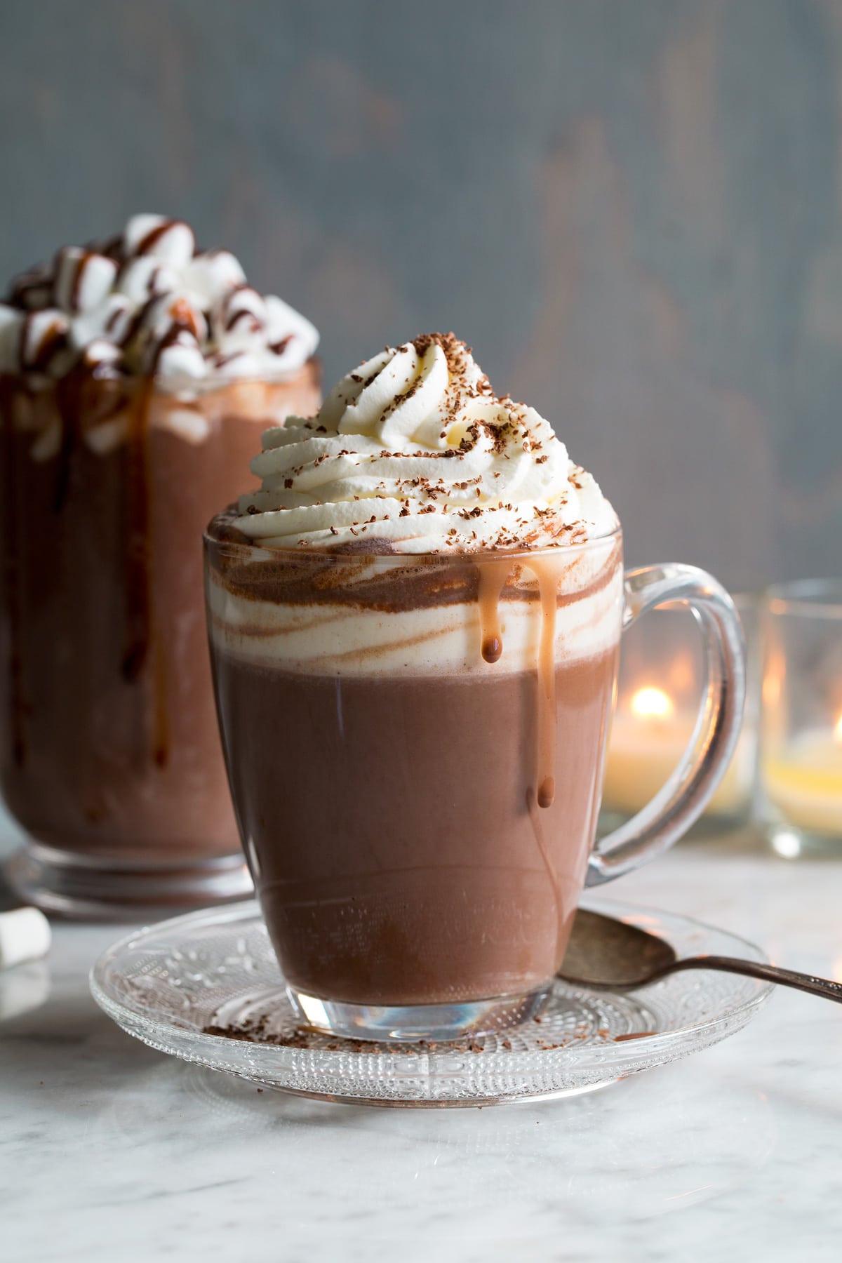 مشروب الشوكولاتة الساخنة