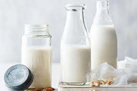 مشروبات لزيادة الحرق - الحليب خالي الدسم