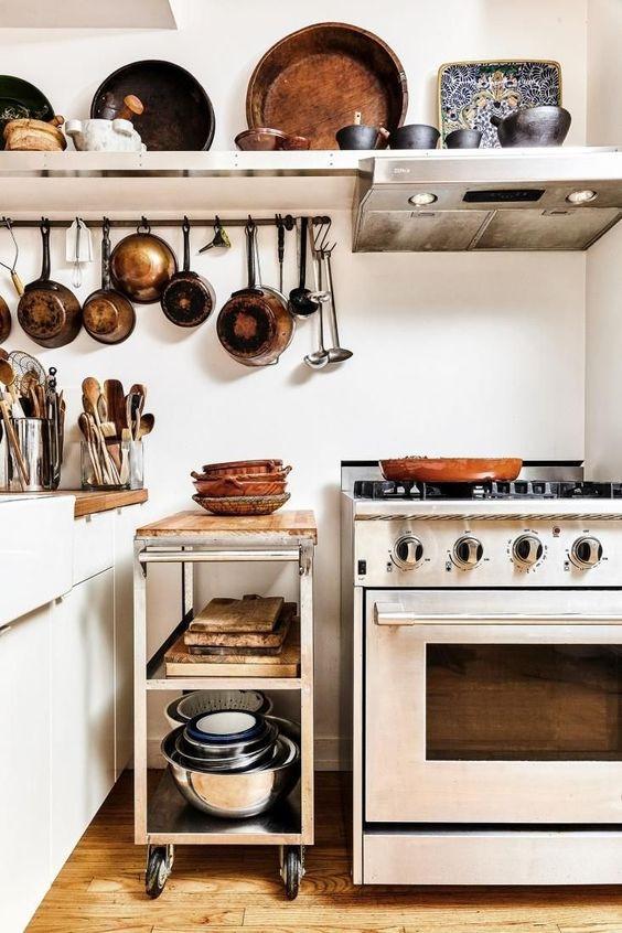 تقسيم خزائن المطبخ - أرفف بين فراغات المطبخ