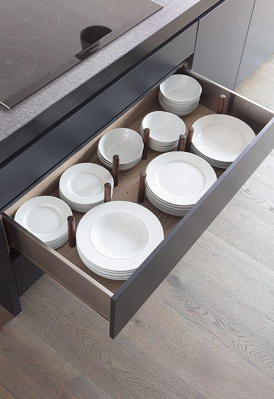 تقسيم خزائن المطبخ - وحدات تخزين استانلس أو خشب