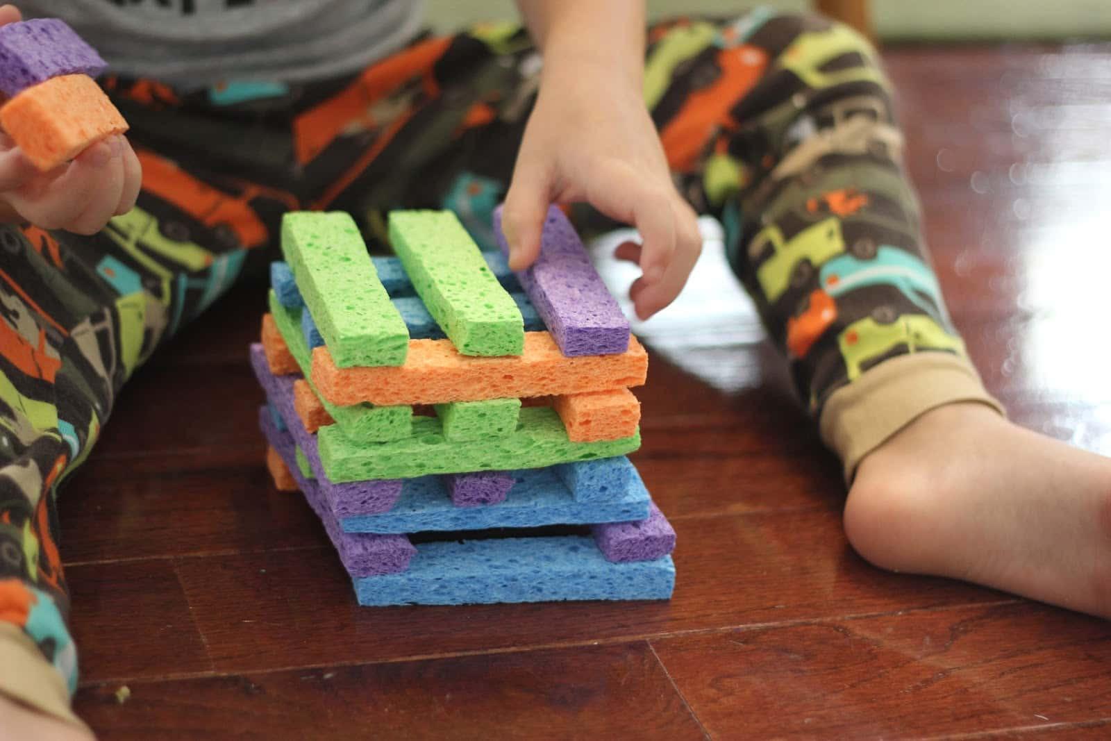 إسفنجة الأطباق - صنع ألعاب لطفلك