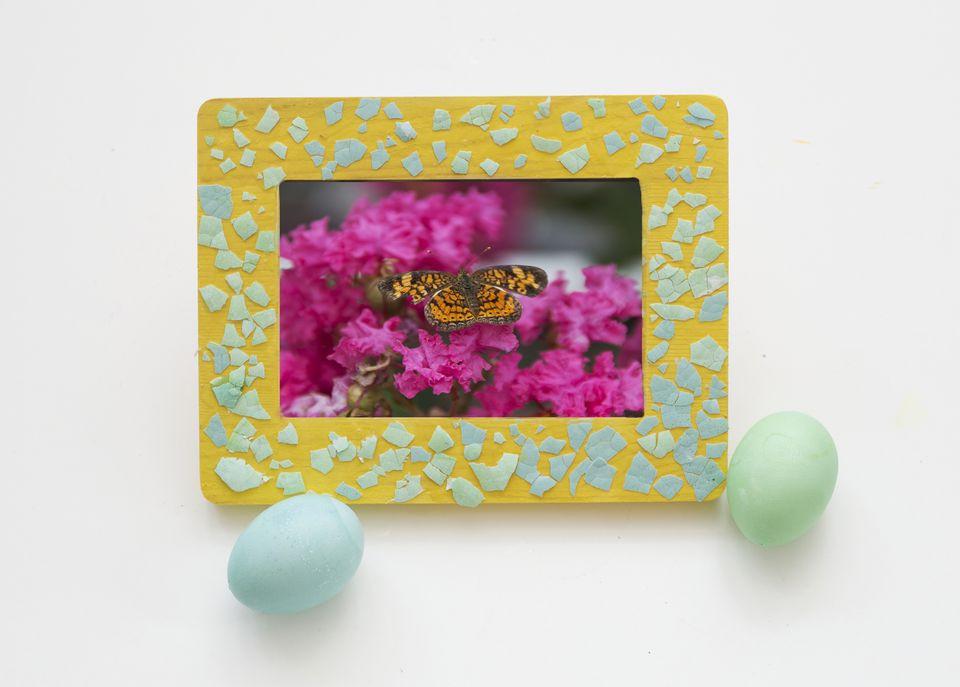 استخدامات قشر البيض - تزيين إطار الصور