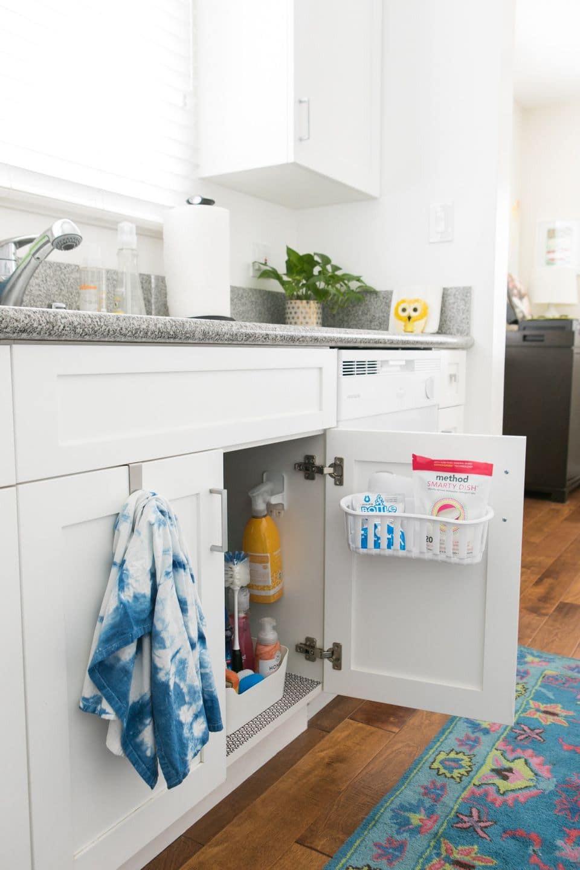 حيل لترتيب المنزل - تنظيم المنظفات