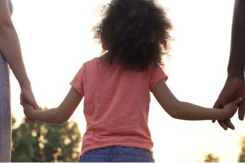 تربية الأطفال - تركيز أولياء الأمور على تصرفاتهم