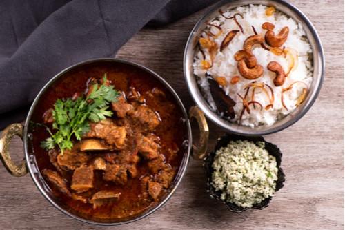 اللحم الجملي - اللحم الجملي بالبصل والكركم