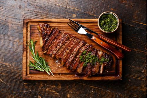 اللحم الجملي - ستيك اللحم الجملي المشوي