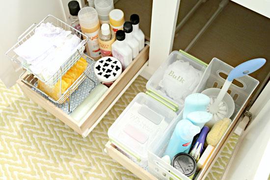 ~✿بالصور.. أين تضعين مواد التنظيف في بيتك؟:) ✿~ Bathroom_Organizatio
