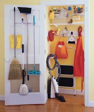 ~✿بالصور.. أين تضعين مواد التنظيف في بيتك؟:) ✿~ cleaning-equipments_