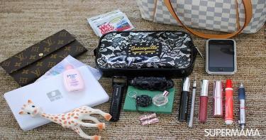 ١٠ أشياء ضرورية في حقيبة الأم