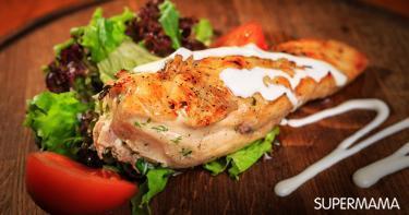 فيديو وصفة: شرائح الدجاج بجوز الهند وصلصة الكاري الحمراء