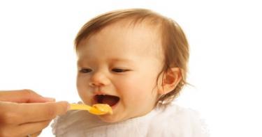 إرشادات تغذية الطفل الرضيع
